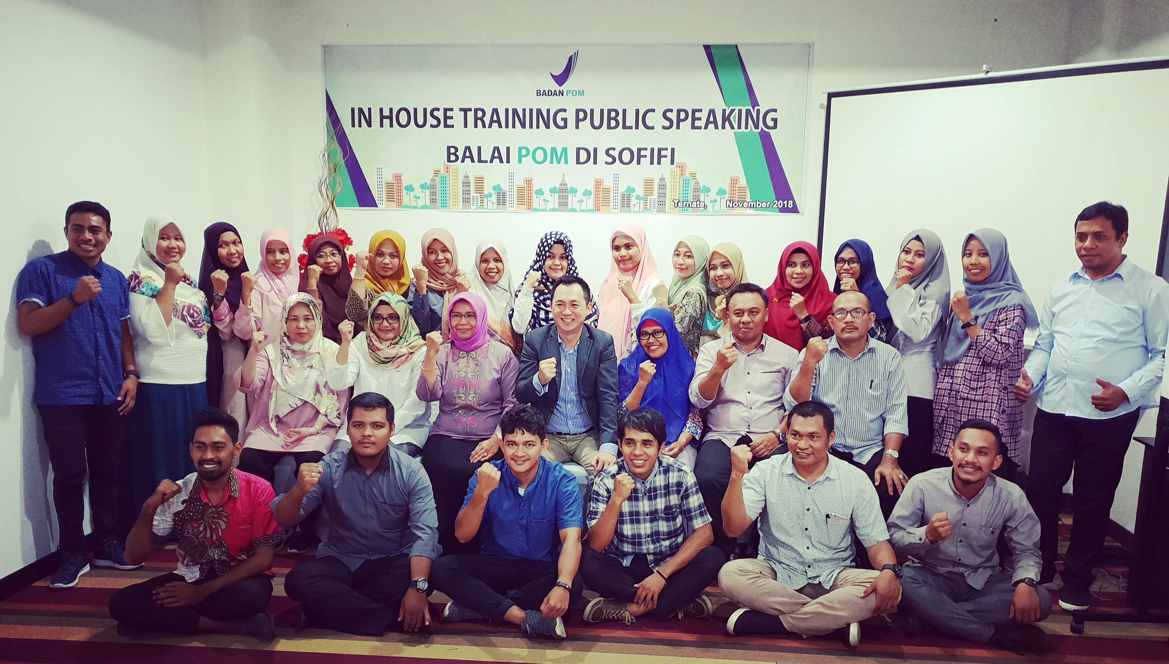 Pelatihan Public Speaking di BPOM Sofifi