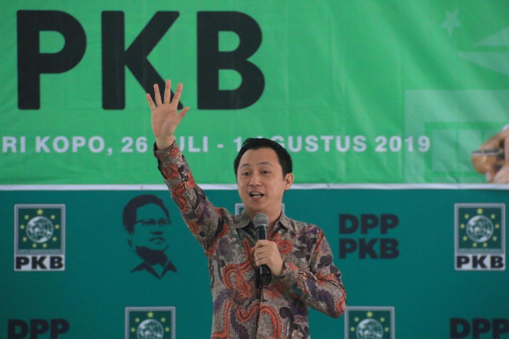 Training Public Speaking di PKB